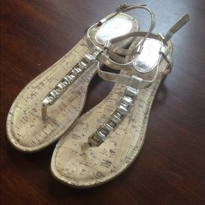 Gently worn gold Merona sandals sz 8